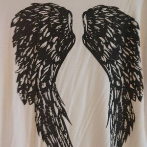 Tops - Wings T-SHIRT medium.